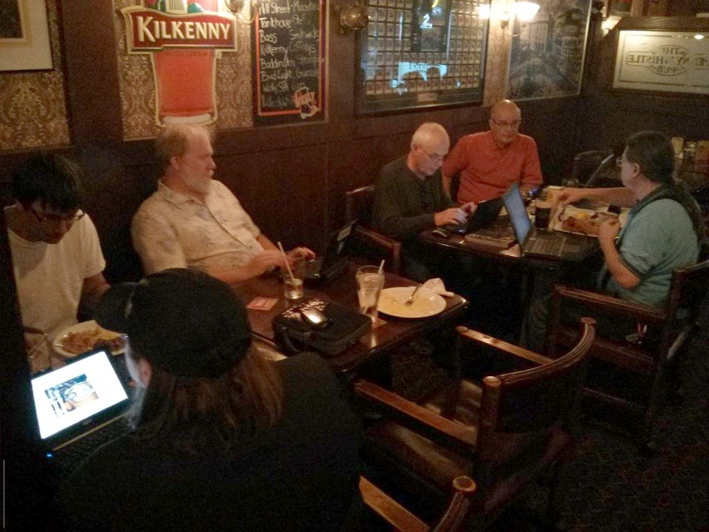 Ubuntu Hour Guelph at the Pennywhistle Pub (picture by azend)